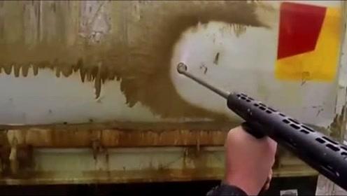 小伙被叫去洗车,结果他掏出了高压水枪,网友:喷就完事了