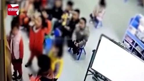 看着想哭!幼儿园小朋友排队自扇耳光,扇几下看看老师又继续扇