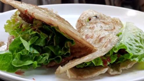 农家小院的午餐:两个鸡腿,两个手抓饼,一份香喷喷的午餐