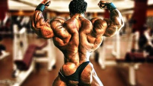 """健美界""""肌肉航母"""",48岁高龄硬拉832磅,被评钛镁合金关节"""