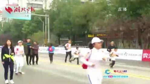 2019鄂州国际半程马拉松鸣抢开跑  奥运冠军刘惠瑕领跑