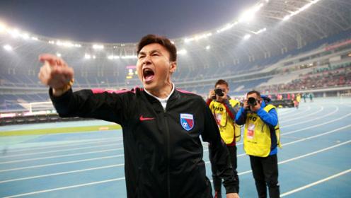 天津天海艰难保级,赛后李玮峰更衣室大骂球员:生活散,踢球你们也散!