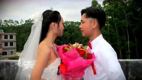 18岁农村小伙娶35岁女老板,婚礼现场真热闹,看完让人羡慕!