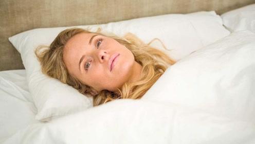为何早起嘴里又臭又苦?多半和3个原因有关