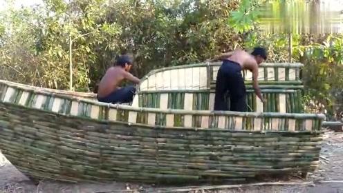 这才是高手,用竹子和木头造了一艘快艇,这技术简直是逆天了!