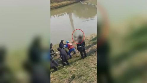 慎入!镇江运粮河现浮尸 打捞现场视频曝光