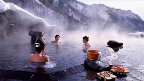 日本泡温泉的规定:第一个就让国人难为情,女游客表示:毫无隐私!