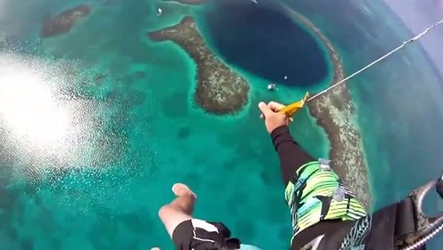 跳伞进入伯利兹的蓝洞!