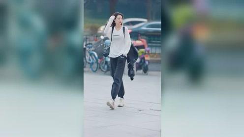 晨妍小姐姐这个外套我好喜欢啊像个乌龟壳一样诶