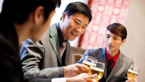 喝酒的人和不喝酒的人,谁的寿命会更长?看看专家怎么说!