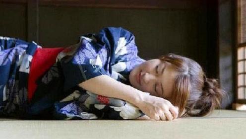 日本人为何有床不睡,却一定要睡在地上?看完可算清楚了!
