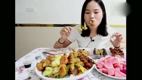 吃播大胃王美女吃温州烧烤!吃的津津有味!好想来一口!