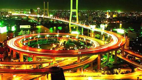 """中国夜景""""最美""""的四座城市,上海、香港、重庆和西安,谁更美?"""