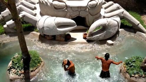 兄弟俩徒手挖出豪华螃蟹泳池,建成的那一刻,网友:被惊艳到了!