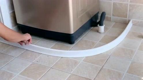 每次洗澡后浴室整个都是水,老公安装上这款挡水条,轻松解决这个难题!