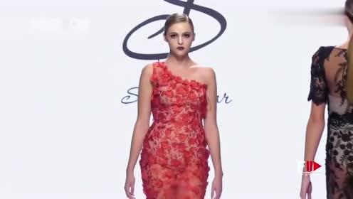 超模走秀:艳丽的红色纱衣,尽显完美身材,真是让人心动