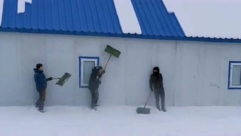 东北人一到冬天,乐趣就多了起来,看看他们又找到了新玩法!