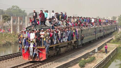 印度火车真的挂满人?看完感觉被骗多年,镜头记录全过程!