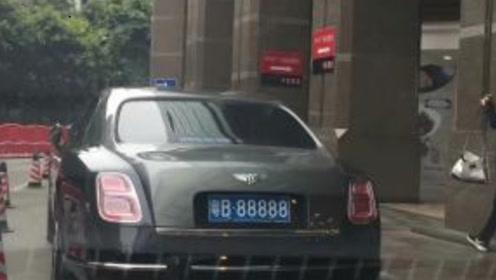 深圳的几个豹子号车牌,11111竟是一台出租车?谁敢打车