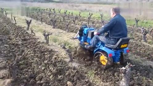 又是农村的一大发明,小型坐式耕地机,可以申请专利吗?