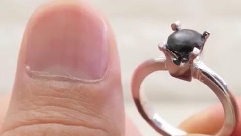用指甲也能做出一枚戒指吗?小伙自制婚戒,过程让人大开眼界