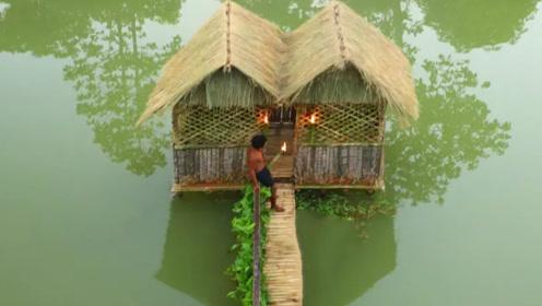 """穷小伙水上建造""""豪宅"""",简直就是避暑胜地,皇帝般的待遇"""
