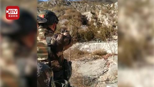 特战队员手持双枪同时击碎两个目标 网友:现实版燕双鹰硬核上线!