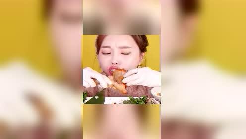 猎奇吃播:韩国姐姐,吃麻辣深海炖鱼,这个鱼肉好厚