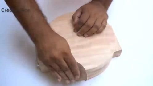 小伙发明出这个工具,功能也太好使了,原来面皮还能这样压!