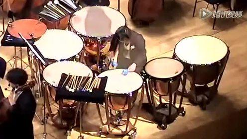 拼了 乐队鼓手用生命演奏