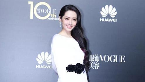 杨幂李宇春红毯斗艳 众星闪耀Vogue十周年红毯