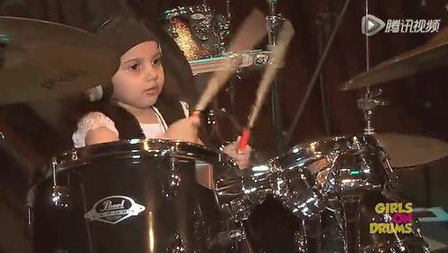 巴西5岁女童打鼓天赋超群 电台争先邀其演出
