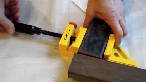 把两个方管夹紧,成直角的夹紧工具