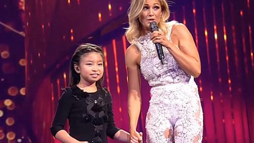 10岁中国小女孩和德国天后合唱 高音一出来观众起立鼓掌