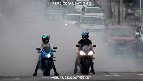 听说这样骑车很欠打,骑士在马路等车时间烧烟雾