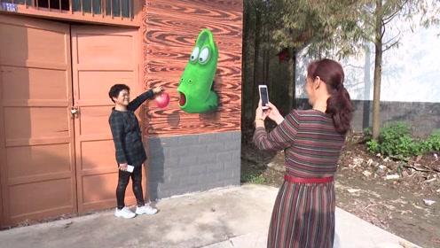 农村大妈赶时髦玩裸眼3D 湖南首个涂鸦村庄彷如童话世界