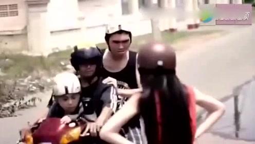 越南美女路上被抢劫,看她是如何对付这帮坏人的了