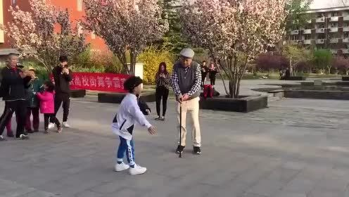 没想到老爷爷的舞蹈这么厉害