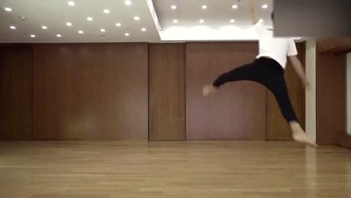 《静夜思》练习室版舞蹈视频曝光,光鲜的外表下总会有满满的汗水!
