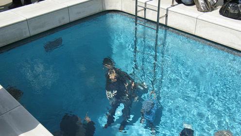 奇异泳池,在水下活动1小时,不用呼吸器,不沾水不溺水