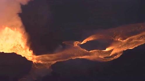 """壮观!实拍基拉韦厄火山持续爆发 赤红色岩浆""""河流""""淌过大地"""