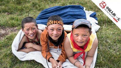 高原小学的孩子们 第一次在学校里洗上了澡