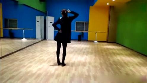 这个舞蹈好看有难度,广场舞大妈能学会吗
