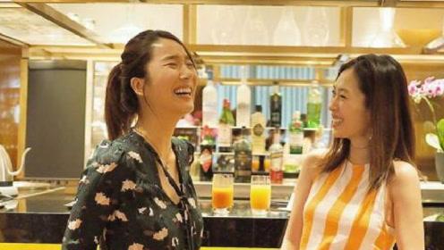 李亚男与闺蜜同时挺孕肚:一起成为母亲总是充满欢乐