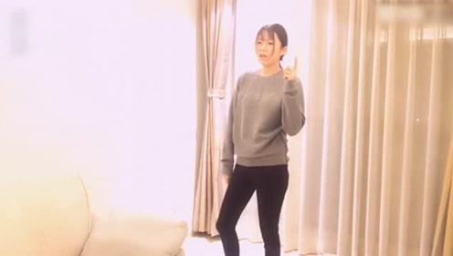 看着漂亮美女跳起鬼步舞来简直无厘头,这舞姿想不到!