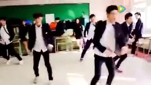 韩国学生在学校飙舞,到底还要不要好好学习了?