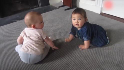 """两个胖宝宝对话起来,用""""婴语""""相互叫嚣,场面萌爆了!"""