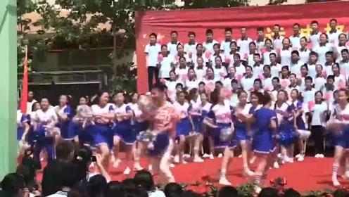 学校课间操舞蹈,现在都这么潮流了吗!