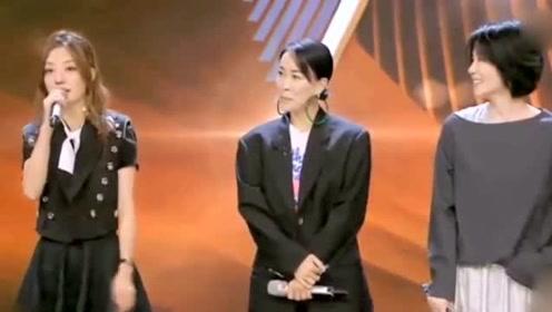 王菲真是圈内人脉王:赵薇那英上节目捧场,周迅和女儿也来助阵