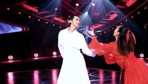 许魏洲《新舞林大会》古装造型惊艳,一身白衣用舞蹈圆侠客梦!